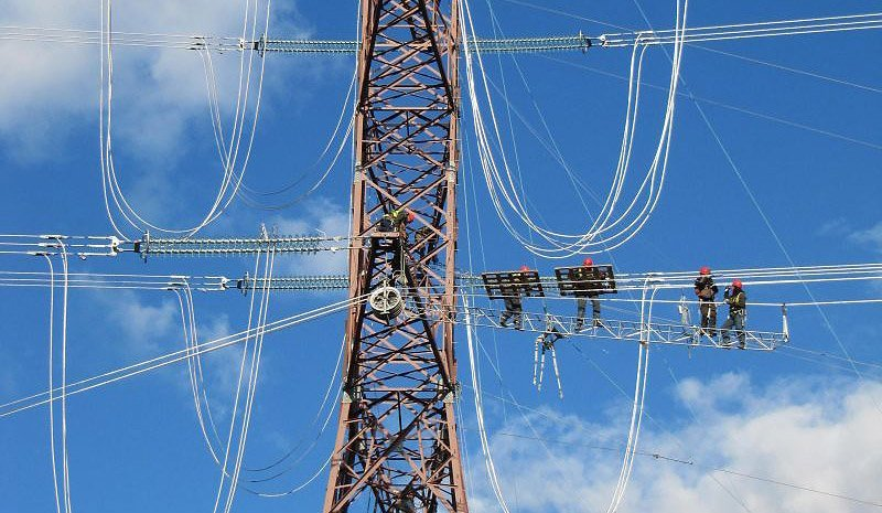 Replacement of insulators in EHV electrical power lines and substations